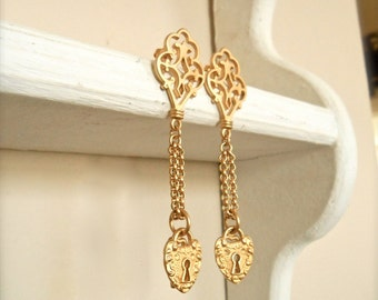 Vintage Gold Earrings Locket and Skeleton Key Baroque Chain Costume Jewelry Women's Accessories Dangly