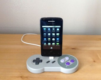 Super Nintendo SNES controller Samsung Galaxy Smartphone Android USB charging dock