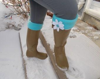 Fleece Rain Boot Liner, Turquoise with Daisy Flower, Springtime, Rain Boot Inserts, Boot  Socks, Med/Lrg  9-11 Boot Size
