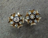 Rhinestone Gold Black Flower Earrings. Vintage 1950s.