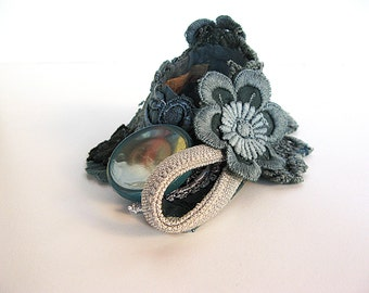 Vintage romantic victorian lace cuff