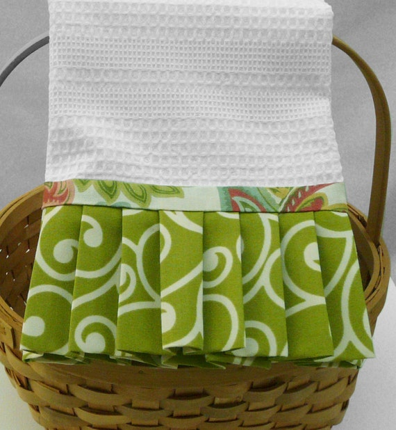 Disposable guest hand towels for bathroom