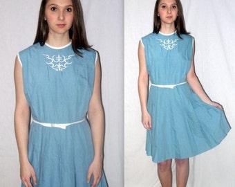 Teacher's Pet ... Vintage 50s 60s day dress / blue full skirt pleated sleeveless / mad men schoolgirl / summer picnic .. M L