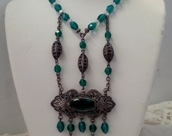 Green Czech Glass Art Deco Necklace w/ Filigree Pendant & Large Green Stone
