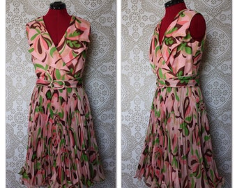 Vintage 1960's Pink and Brown Dress with Ruffled Hem and Oversized Collar Medium