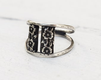 Sterling Silver Floral Ring - Gift For Her - Handmade Jewelry - Metalwork Ring - Made to Order - Flower Ring - Wirework Band