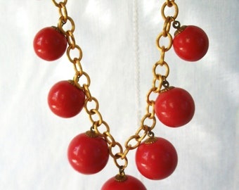 Vintage Choker ~ Graduated Salmon Orange Balls ~ Gold Tone Chain ~ Chunky Statement Necklace ~