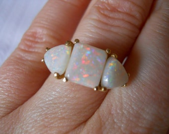 Estate 10K Gold Ring with 3 Large Australian Opals