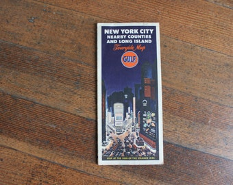 Vintage Map - New York City Nearby Counties and Long Island - Tourguide Map (Gulf)