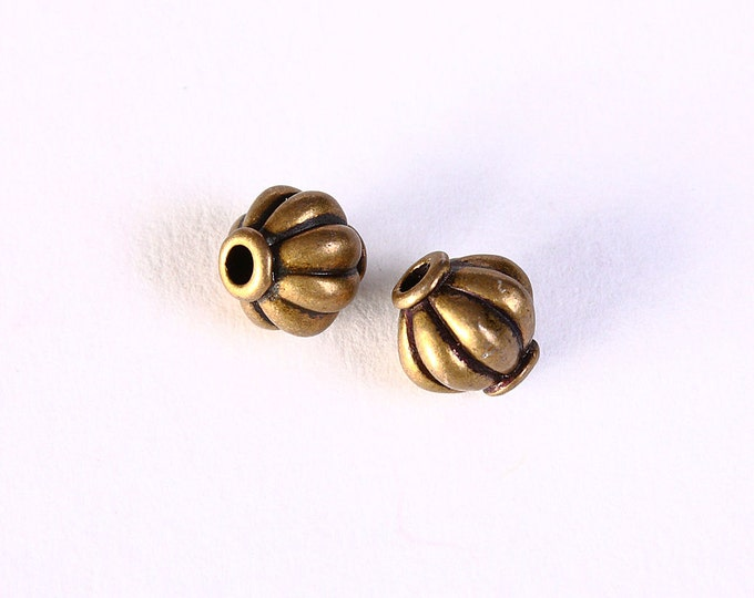 8mm lantern round beads - spacers beads - antique brass antique bronze round beads - 6 pieces (1391) - Flat rate shipping