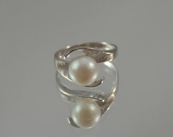 14K White Gold Pearl Ring, Natural Pearl Ring, White Gold Ring, Handmade Floral Ring