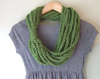 Green Chain Scarf Necklace . Mid Length . Green Grass Scarf . Green Infinity Scarf . Crochet Chain Scarf . Crochet Scarf . Braid Rope Scarf