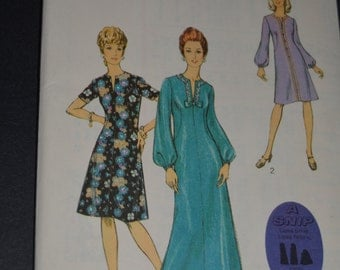 Style 3845 Misses Dress in Two Lengths Sewing Pattern - UNCUT - Half Size Size 12 1/2 Bust 35