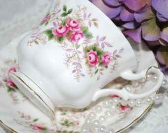 Vintage Tea Cup and Saucer /ROYAL ALBERT Lavender Rose Pattern  / Vintage Tea Party / Collectable teacup