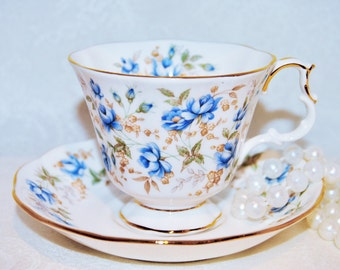 ROYAL ALBERT Chintz Blue Gown 1982 Bone China Tea Cup and Saucer//Floral Design /Collectable