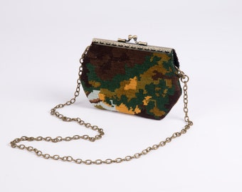 Clutch  vintage and chic canvas