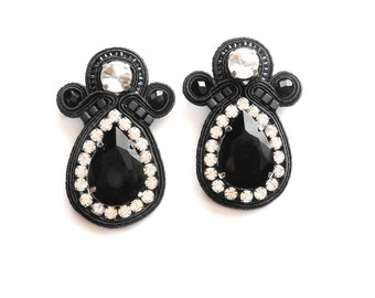 BLACK VELVET soutache earrings in black and crystal