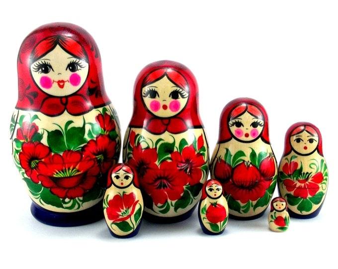 Nesting Dolls 7 pcs Russian Matryoshka doll Babushka doll set Wooden doll Stacking dolls for kids handpainted Suvenirnaya
