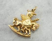 Vintage Knight on Horse Gold Charm 0EMJ58-N