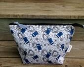 READY TO SHIP! Medium zip top knitting project bag - Tardis swirl police box print - Doctor Who crochet project bag