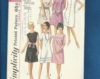 1965 Simplicity 5953 French Dart Bateau Neckline Dresses with Sleeve Variations for Day or Evening  Size 14