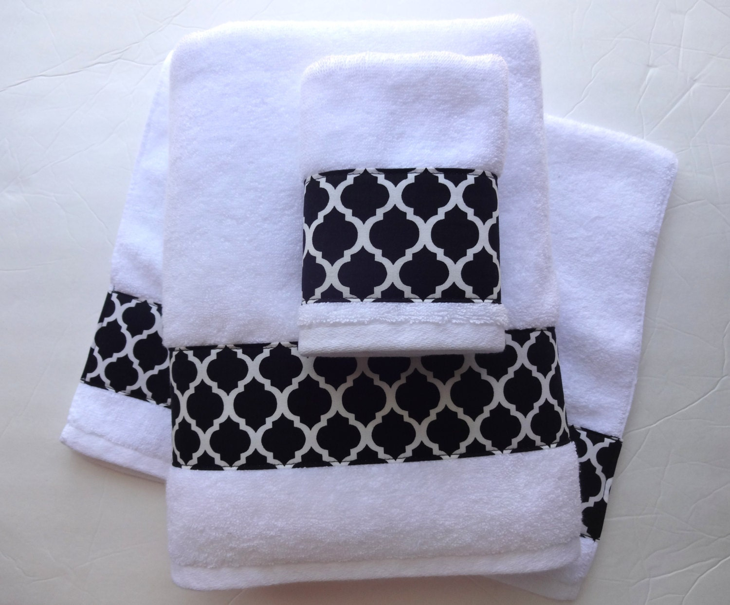 Black and white bathroom hand towels