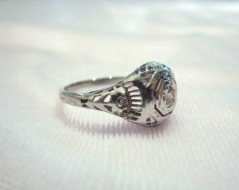 Antique Art Deco White Gold Diamond Ring