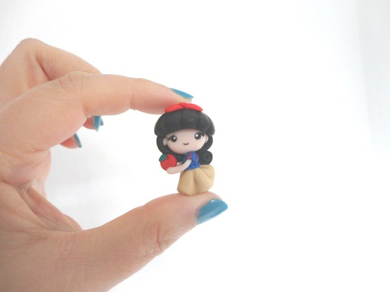 Necklace or pendant charm Snow White Biancaneve kawaii polymer clay doll