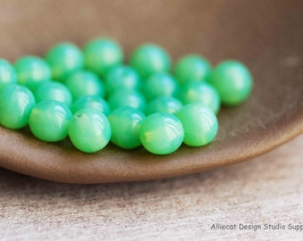20 Jade Opal 6mm Round Druk Czech Glass Beads (A213)