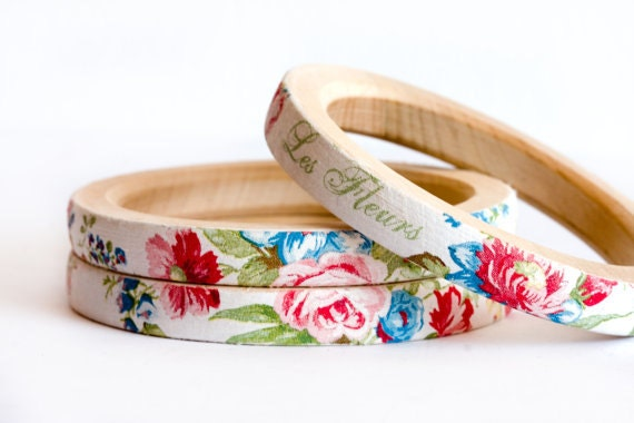 Summer Fashion Jewelry, Shabby Chic Bracelets, Wood Bangle, Vintage Flowers in Pink and Blue, Eco Friendly, Floral Jewelry Set of 3