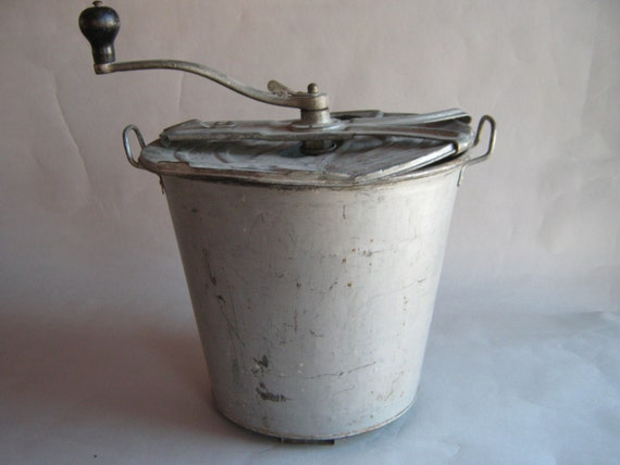 Hand Crank Mixer ~ Vintage hand crank bread mixer early s large