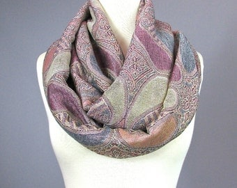 Dusty pink scarf, infinity scarf, loop scarf, fall scarf, pashmina by Nursing Time