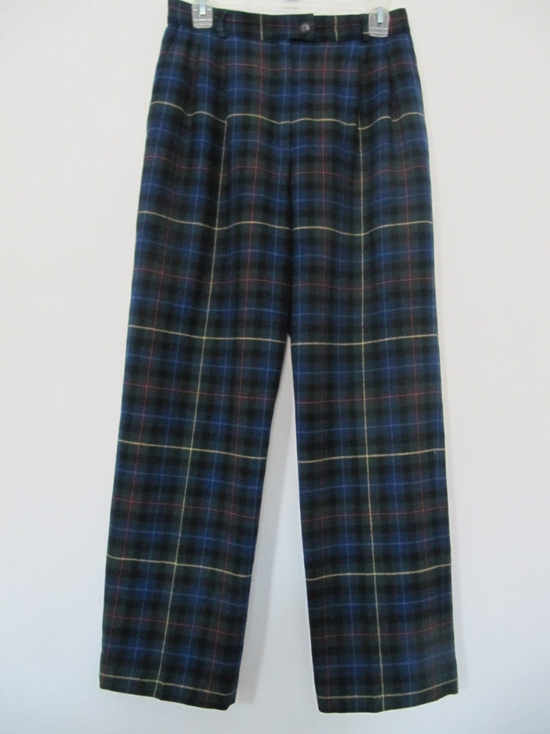 No-wrinkle women's wool pants from Pendleton keep you looking chic. Shop women's trousers & chinos now. Pendleton Plaid Woven in the USA Wear To Work Seasonless Wool Tommy Bahama & Pendleton Women's Pants. Women Women's Clothing Pants.