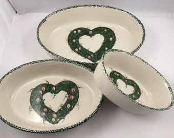 Oval baking dishes, Vintage Heart Design, Nesting Heart Dishes, Wreath and Tulip, Matching Baking Set, lronstone casserole, Retro Bakeware