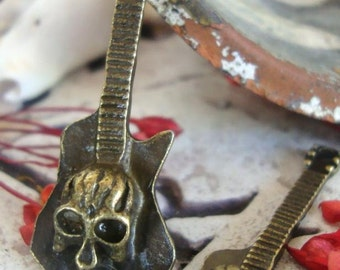 Skull Rock and roll guitar charm