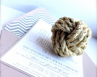Nautical Monkey's Fist Knot - Placecard Holder - Beach Wedding Decor