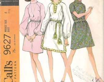 Vintage 1960's  Uncut McCall's pattern 9627 Misses' Dress with raglan  sleeves Miss Size 8