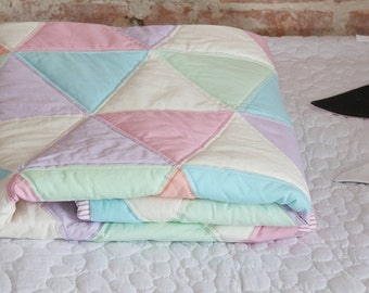 TextiManufacture Modern Pastel Quilt/Handmade Qulit/Quilt for Teens/Single Blanket
