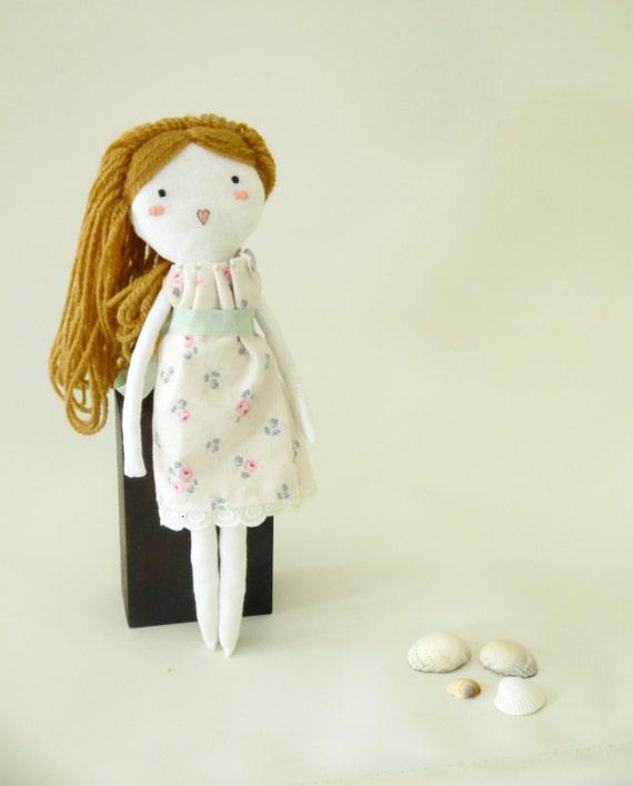muñeca tela muñeca trapo juguete lino bordado a mano