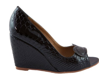 Black Leather Ladies/Women's Wedge Shoes