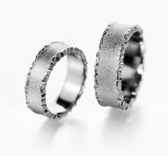 wedding band set for him and her matching rings mens wedding. Black Bedroom Furniture Sets. Home Design Ideas