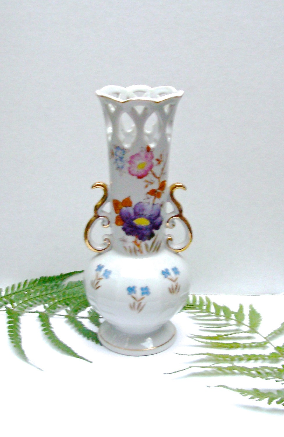 Vintage Occupied Japan Vase China With Floral Design And