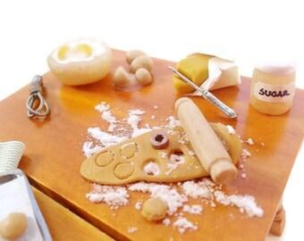 Miniature bakery set / miniature pastry preparation set / Miniature food scale 1:12 Dollhouse / Roombox pastry shop / bakery scene