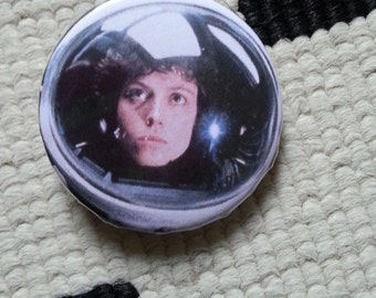 "badge ""ripley"" - alien"