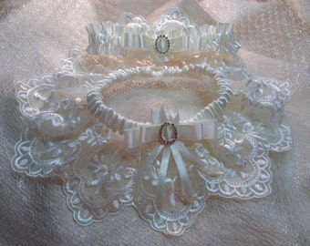 """Wedding Garter. The """"Juliette"""" Cream Garter Set"""