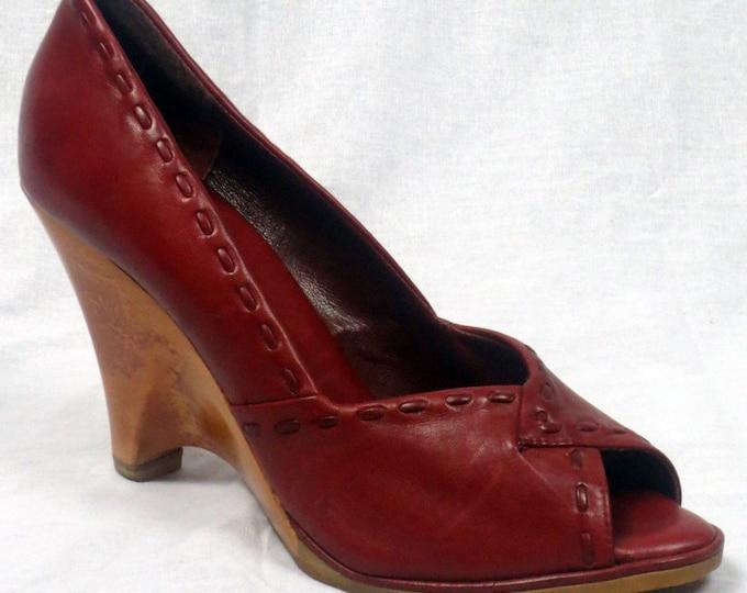 70s Boho leather open toe sandal sculpted wooden wedge heel