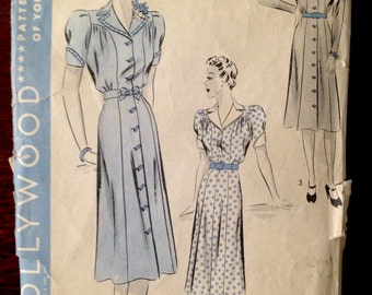 Hollywood Patters 1829 - 1940s Button Front Dress with Wide Notched Collar and Princess Seams - Size 36
