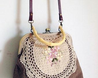 Khaki Embroider Vintage style Metal frame purse/coin purse / handbag /Pouch/clutch/tote bag/ Kiss lock frame bag