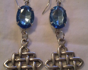 Blue Crystal Lattice Earrings =  E 119