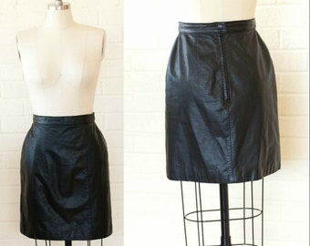 Chic 80's Vintage Black  Leather High Waisted Mini Skirt Size S